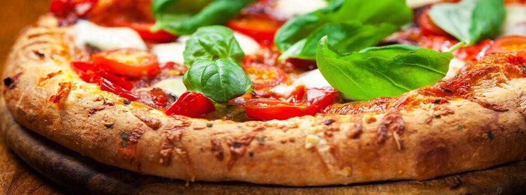 Risultato immagini per l'italia  e la pizza