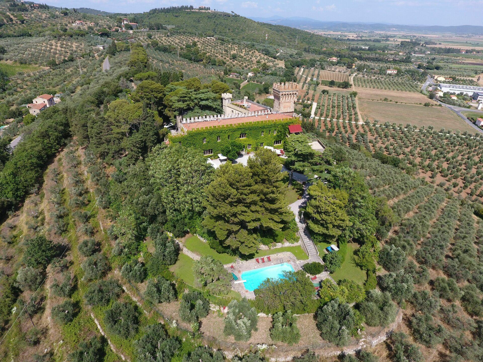 Ricevimenti Matrimoni Toscana : Castello in toscana per matrimoni e ricevimenti