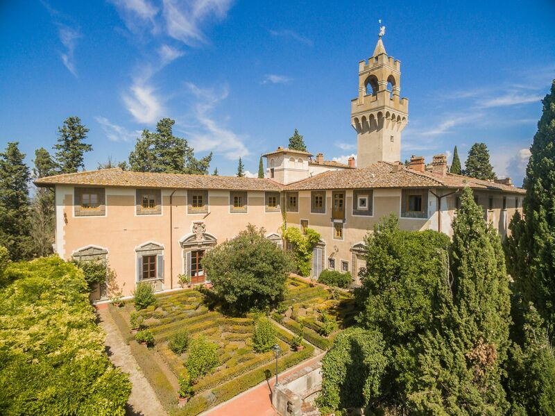 Montegufoni-Villa Osbert