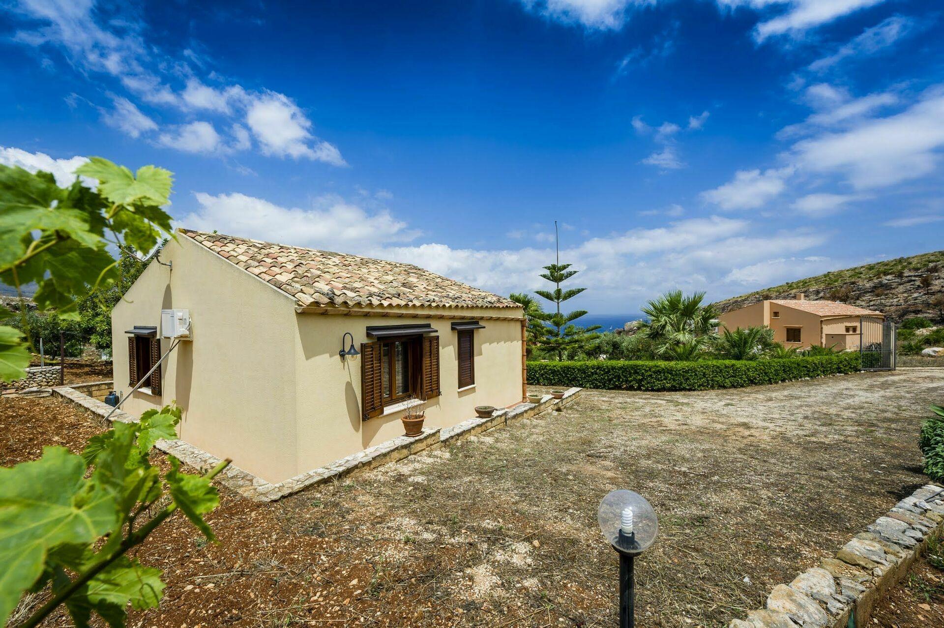 Casa in sicilia per vacanze casa bianca for Subito case vacanze sicilia