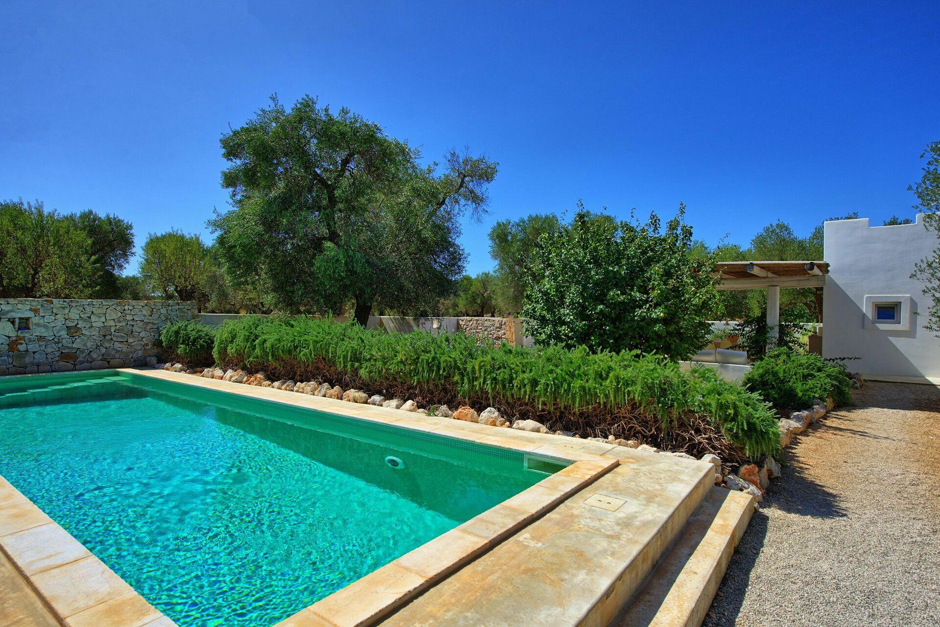 Casa vacanze con piscina in puglia il trullo di laura - Casa vacanze con piscina privata ...