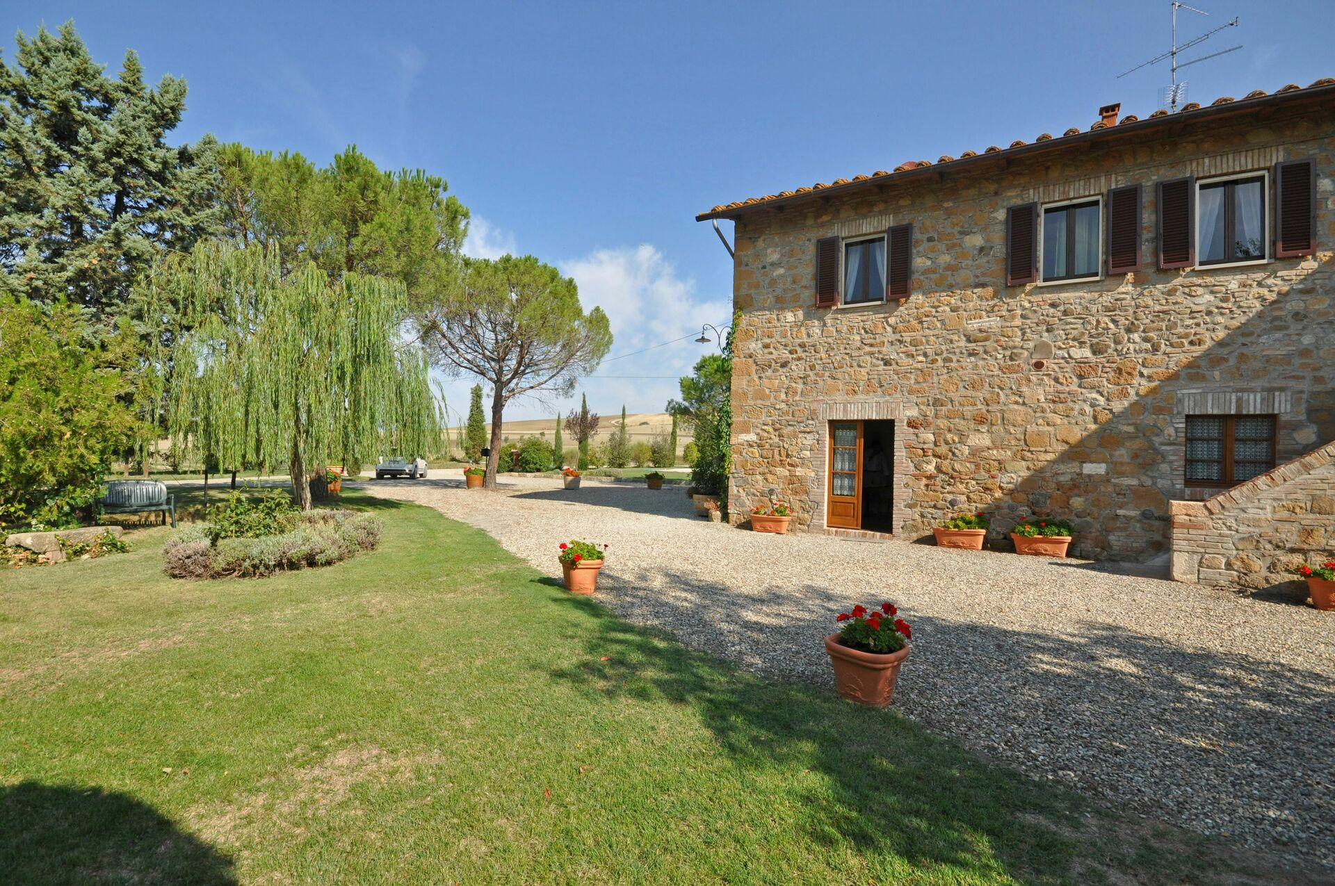 Country house in tuscany for rent villa cassia for Rent a house in tuscany