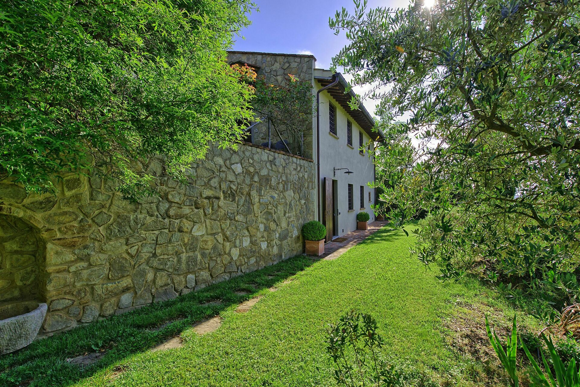 Villa louer pr s de florence pour vacances borgo toscano for Cantagrillo piscine