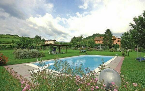 large lawn (5.000 sqm) with swimming pool. mt. 6x12