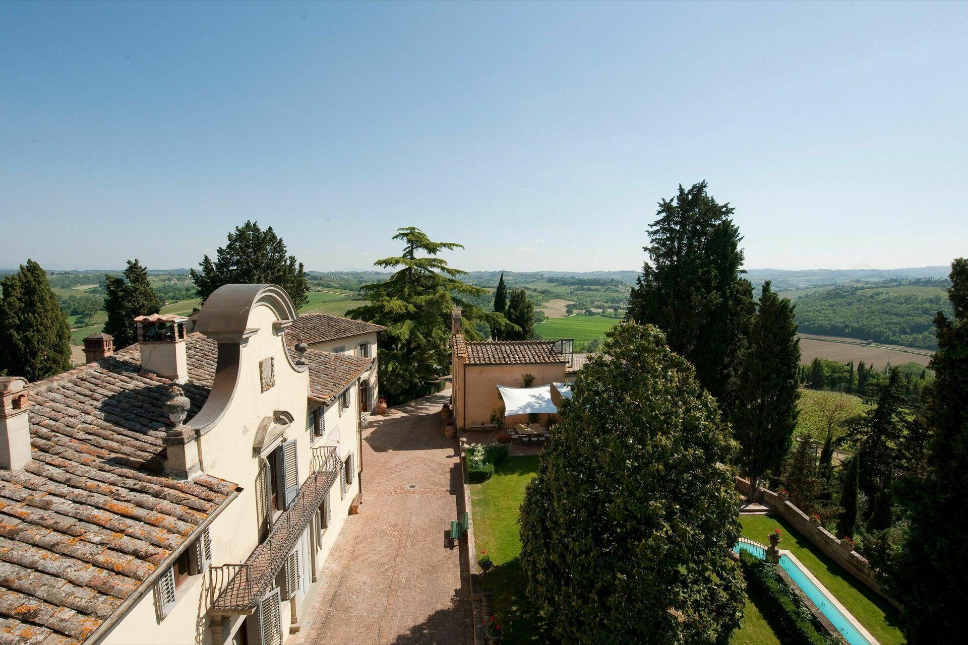 Castello Di Cabbiavoli, Luxe Vakantiehuis in Castelfiorentino ...