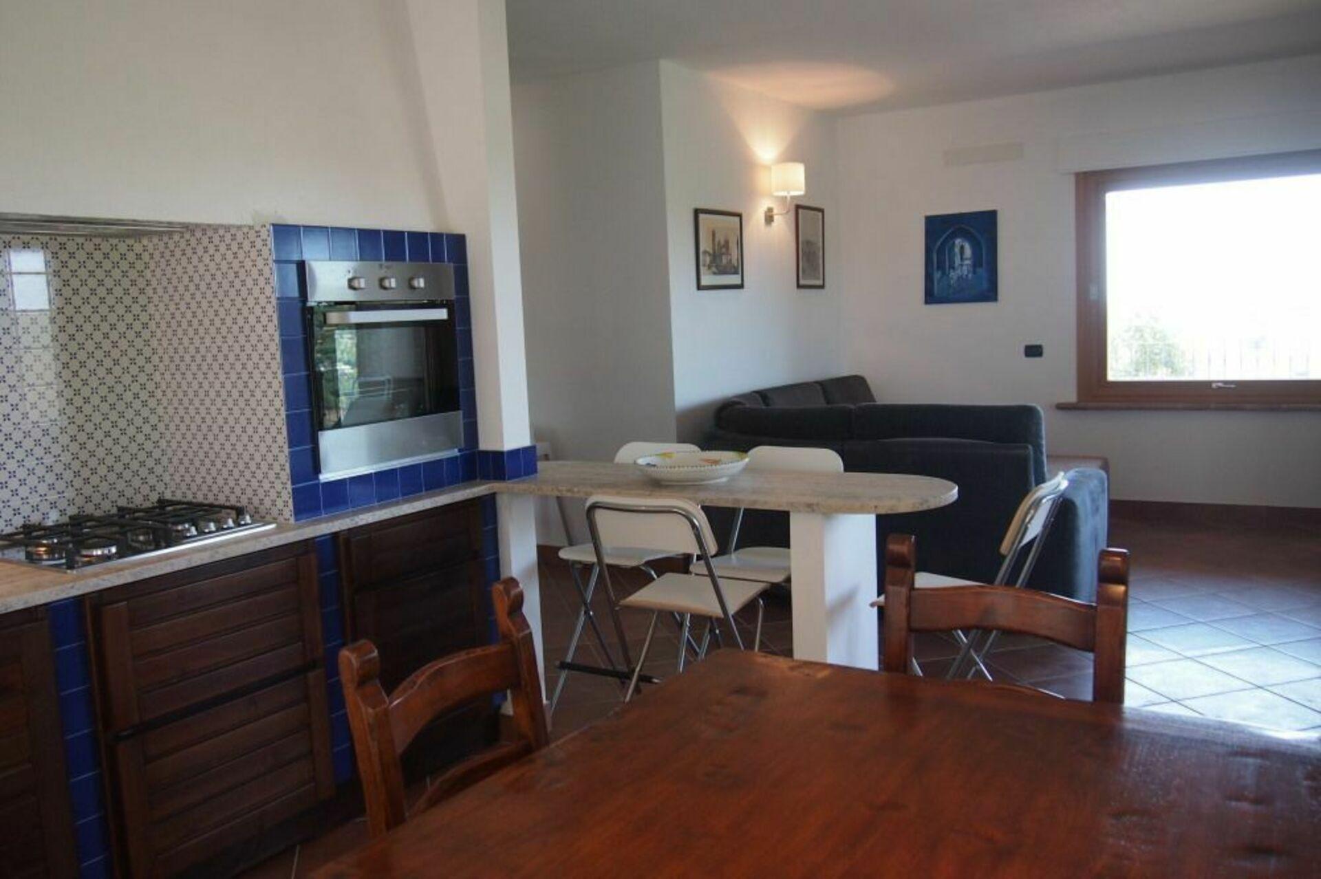 Interesting ampio soggiorno con cucina in tipico stile toscano with cucine stile toscano - Cucine stile toscano ...