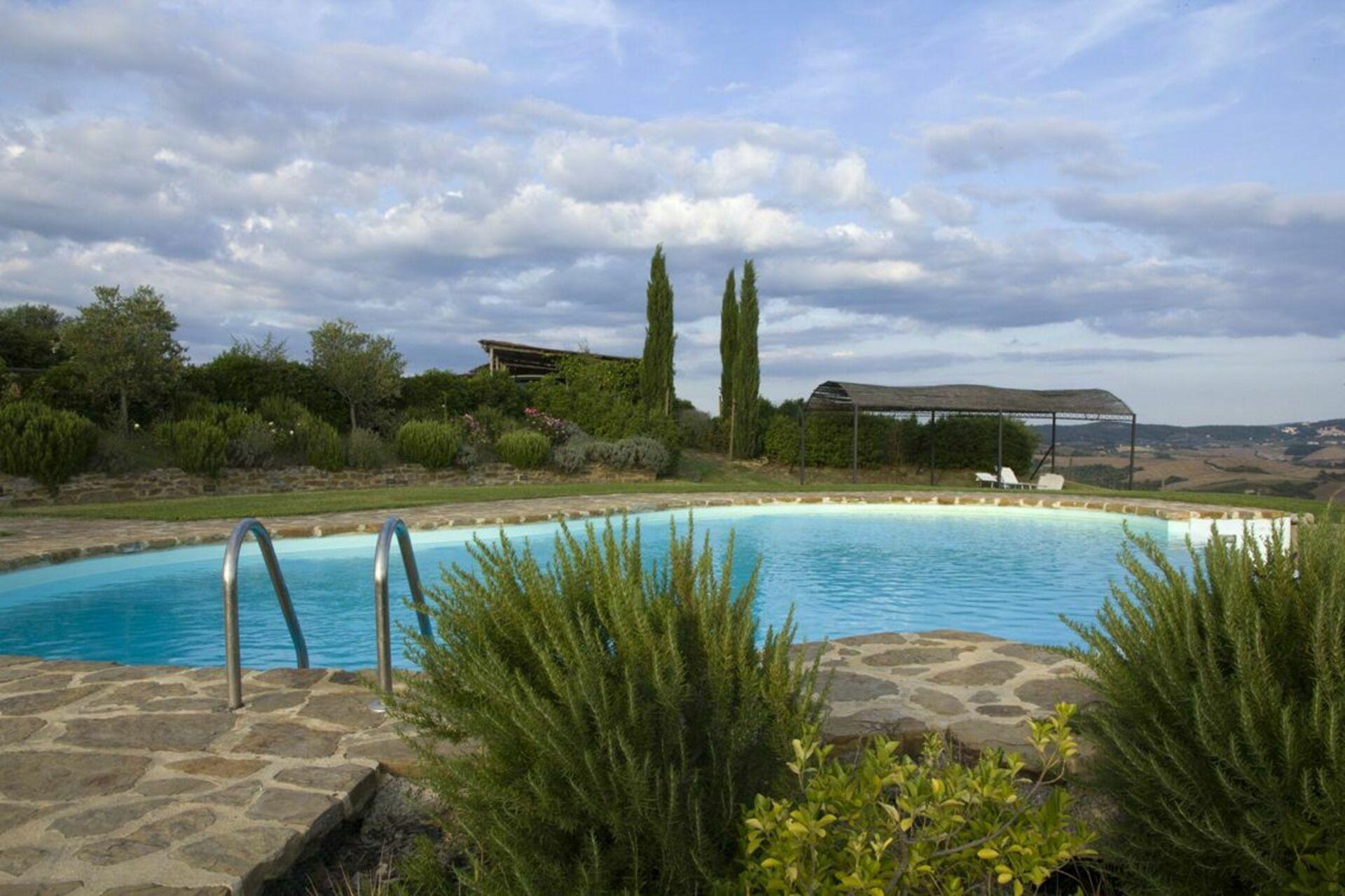 Villa with pool for rent in Tuscany - La Casa Del Sole Di Siena