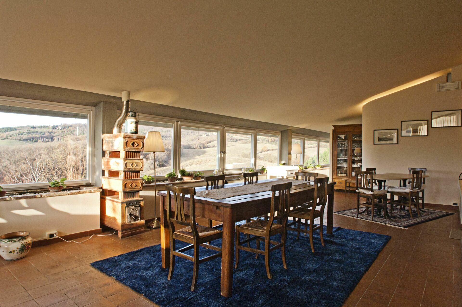 La vittoria 10 appartamento vacanza a chianciano terme for Piani casa 6 camere da letto