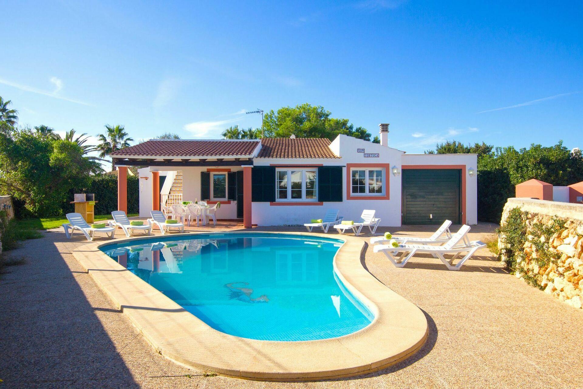 Villa tortuga villa en cala en bosch islas baleares for Villas tortuga celestino sinaloa