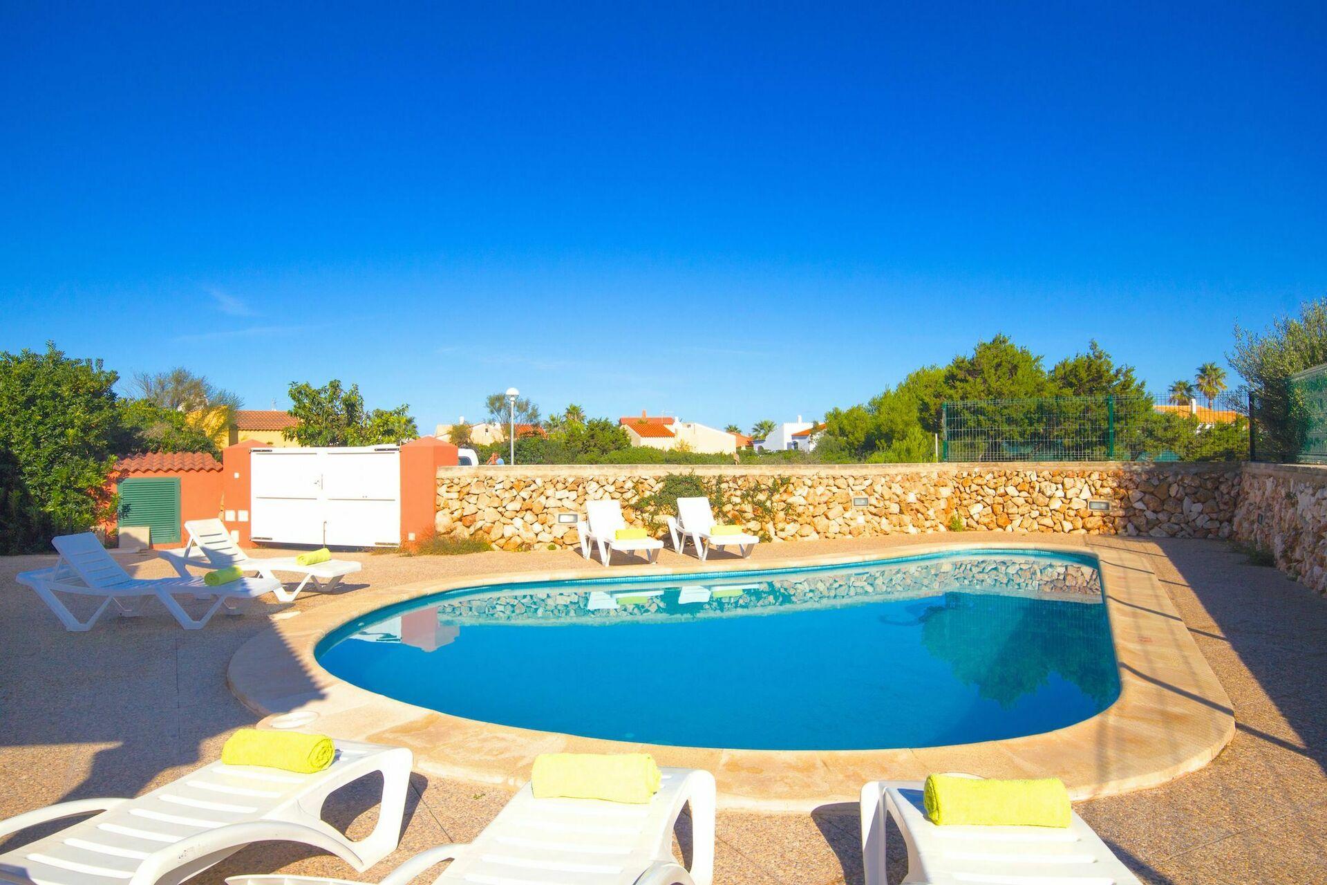 Villa tortuga villa vacanza a cala 39 n bosch isole baleari for Villas tortuga celestino