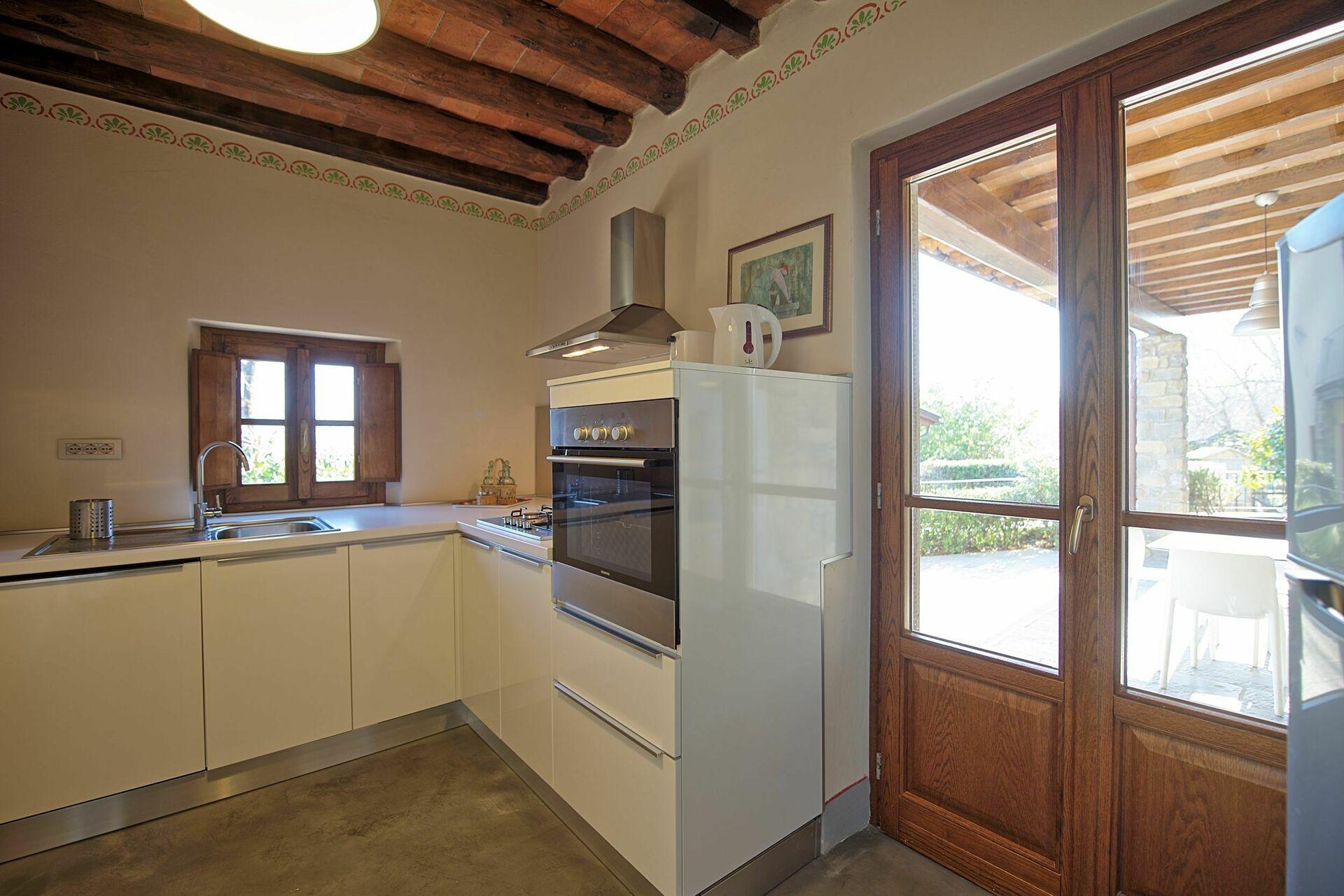 ciliegio luxus ferienwohnung in poppi toskana 4 schlafpl tze und 2 schlafzimmer luxus. Black Bedroom Furniture Sets. Home Design Ideas