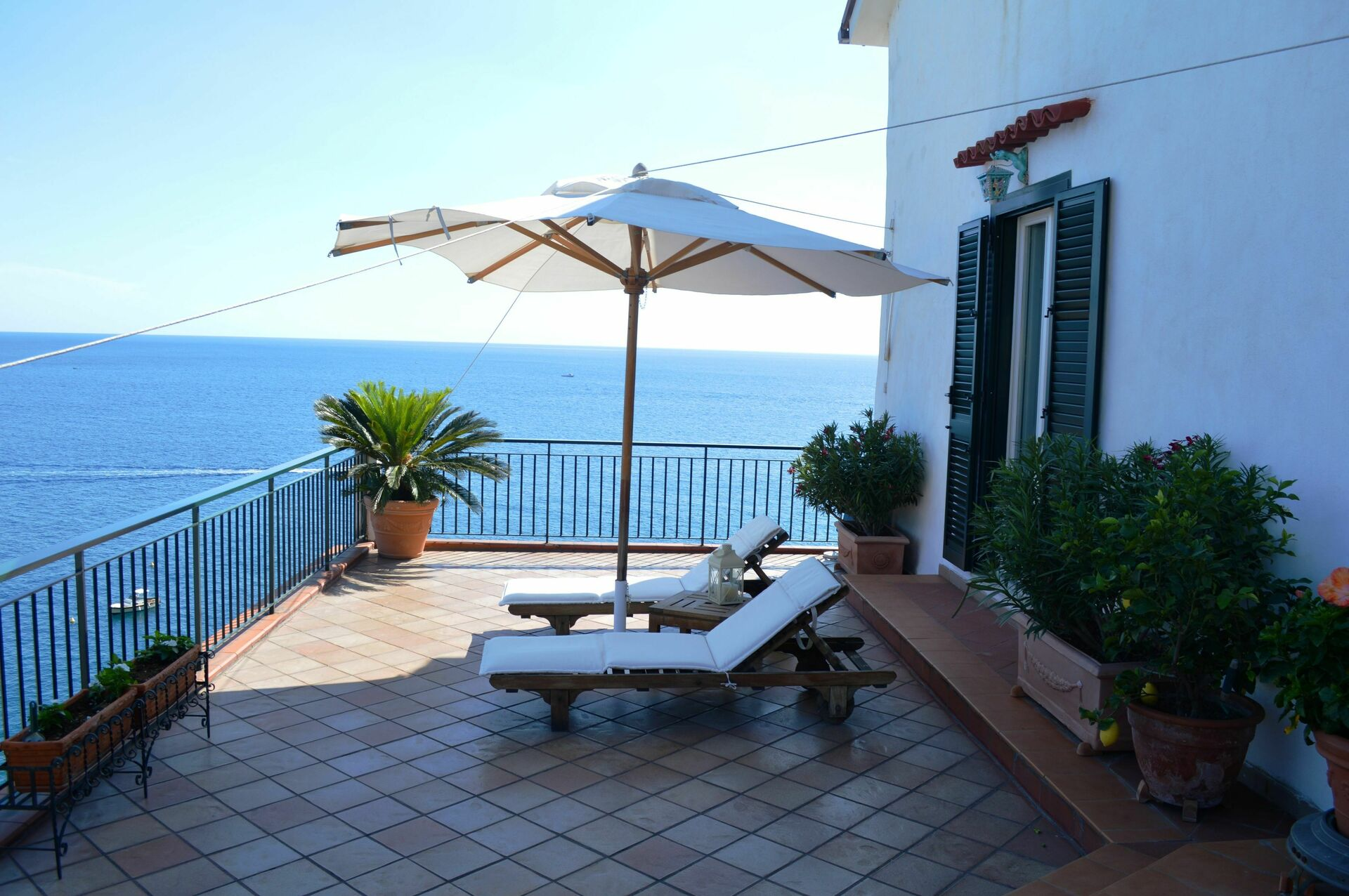 La Terrazza Di Atrani, Apartment vacation rental in Atrani Campania ...