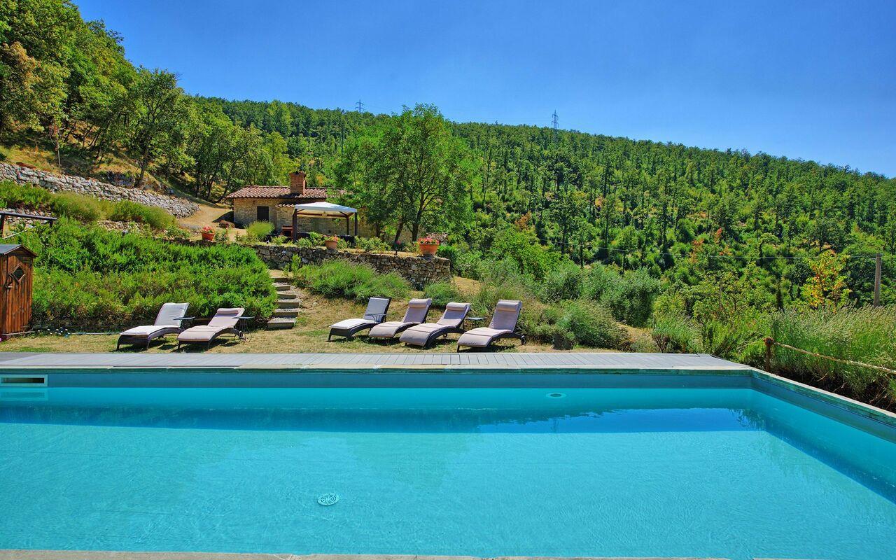 Villa tenuta lonciano villa di lusso per vacanze sui colli