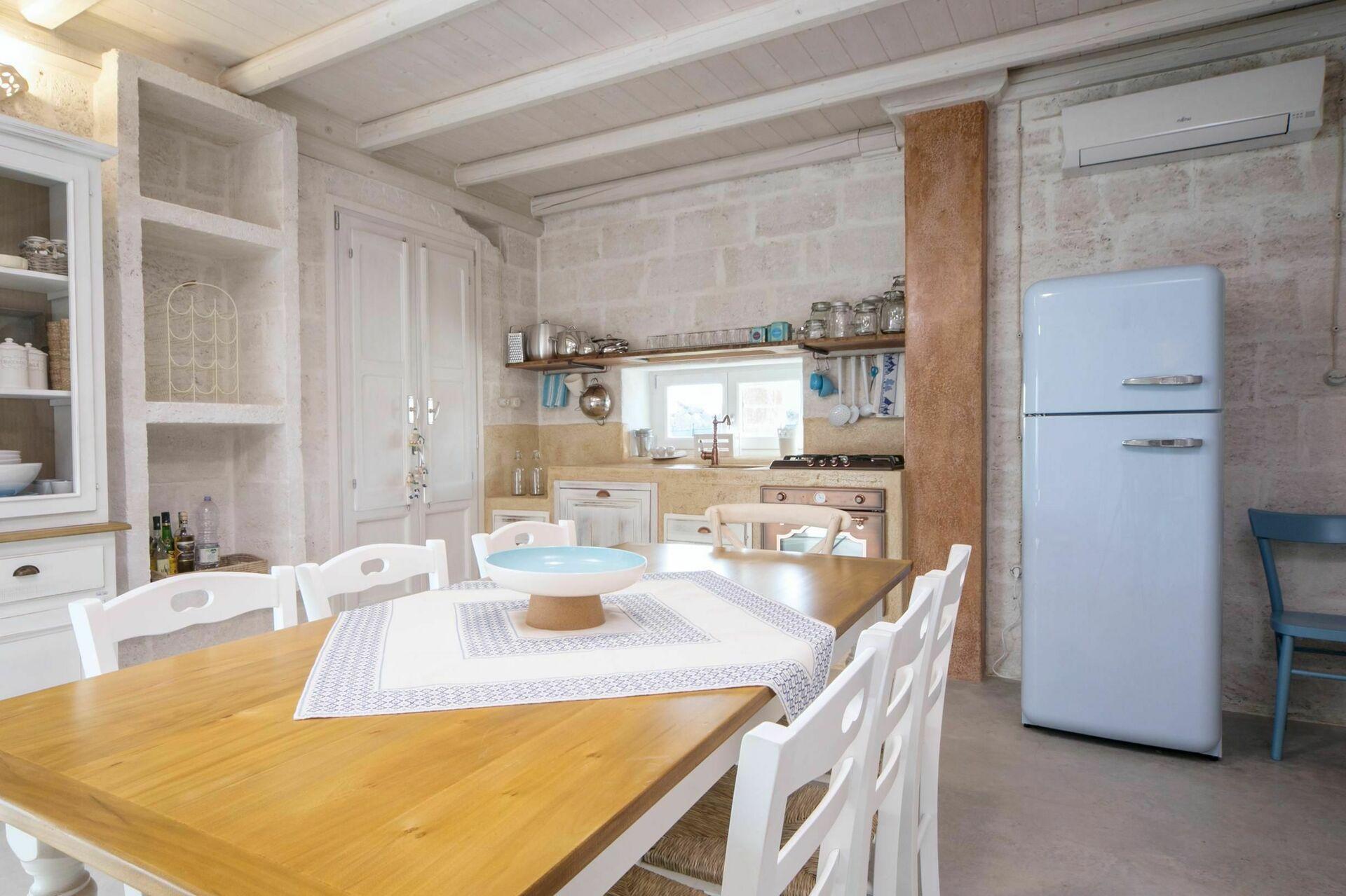 Villa 4 Camere Da Letto Salento : Trullo torre suda villa vacanza a puglia