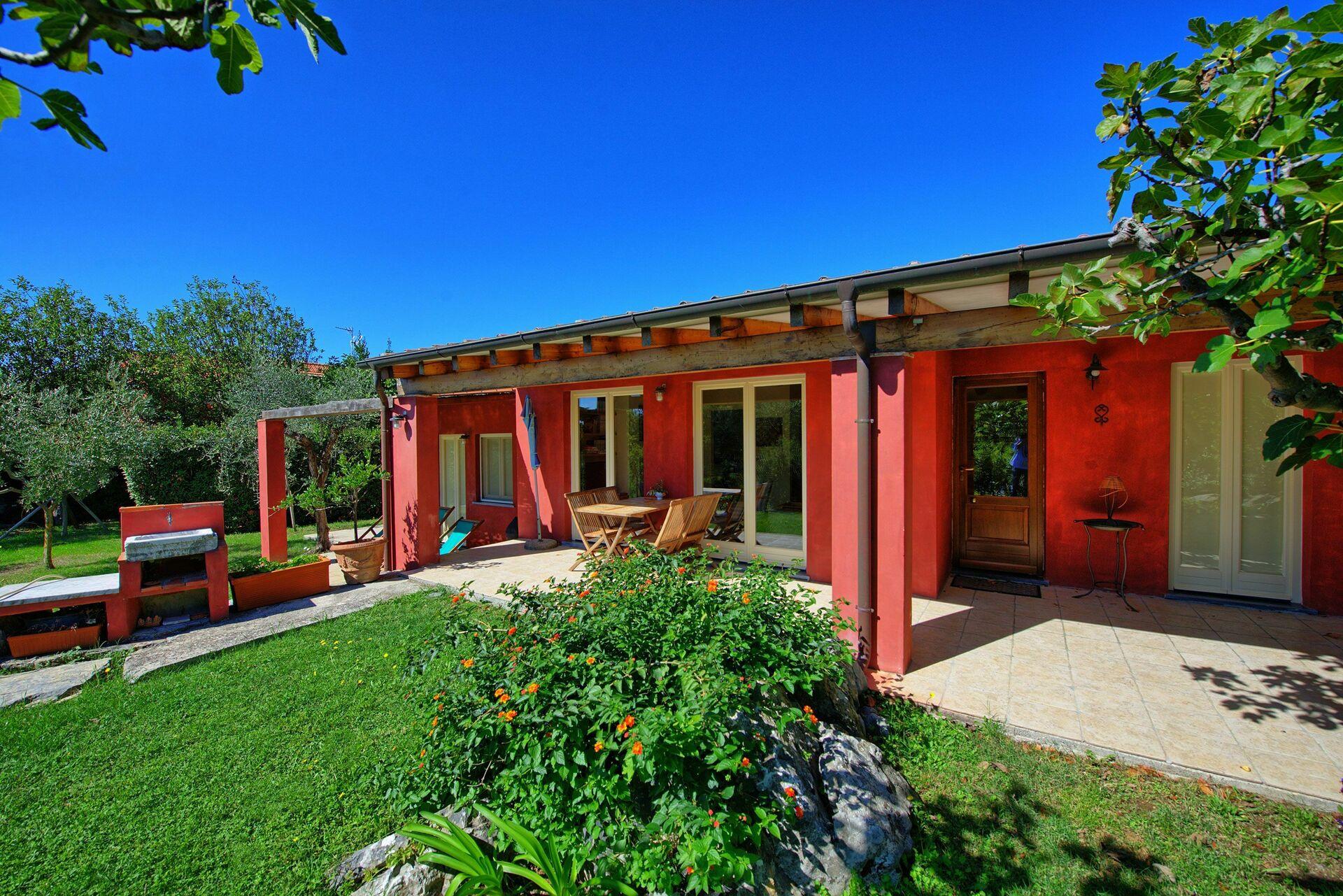 la rocca rossa villa vacation rental in monte marcello. Black Bedroom Furniture Sets. Home Design Ideas