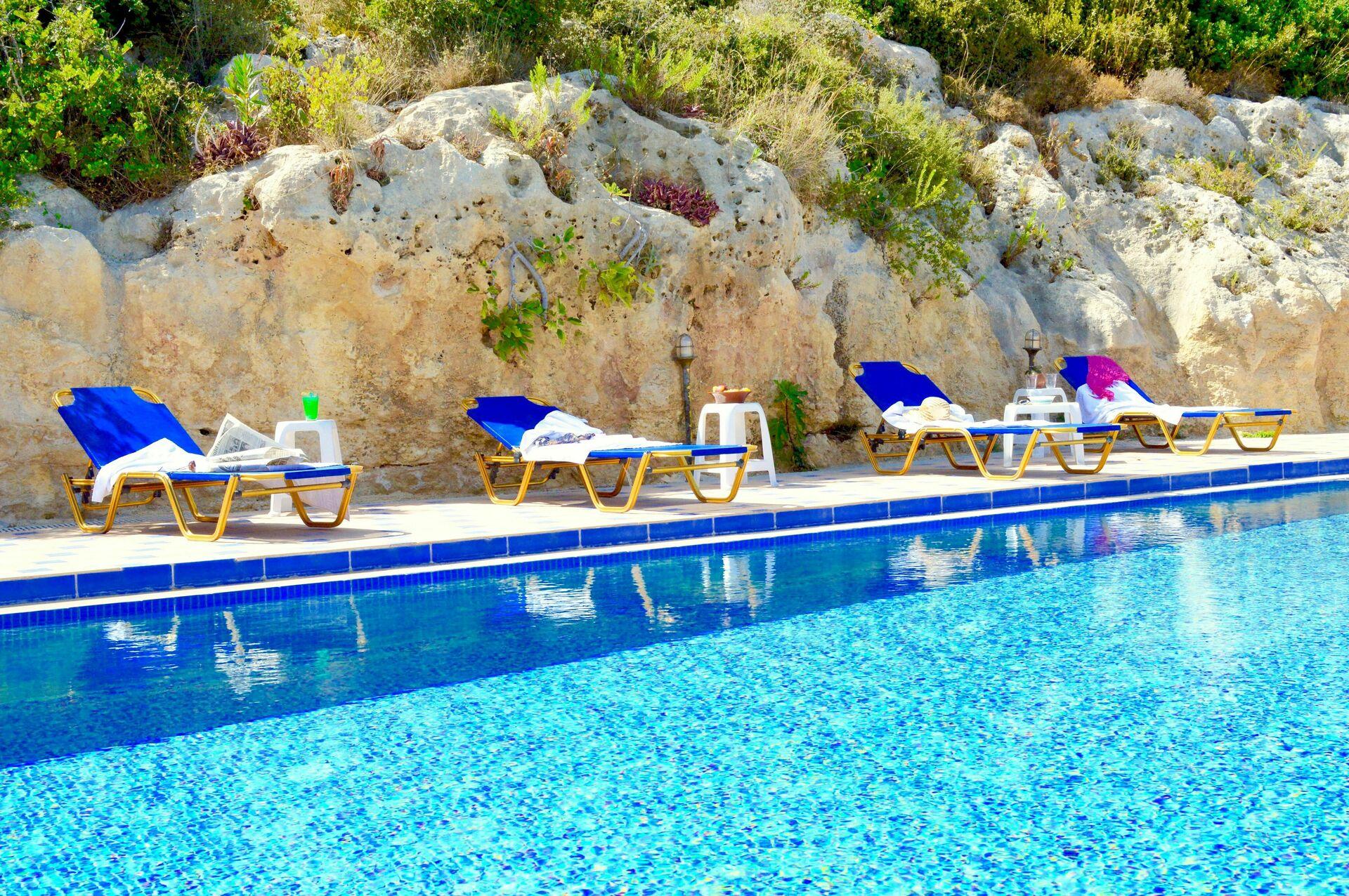 Vakantiehuis 12 Slaapkamers ~ Ideeën Voor Huis Ontwerp Ideeën en ...