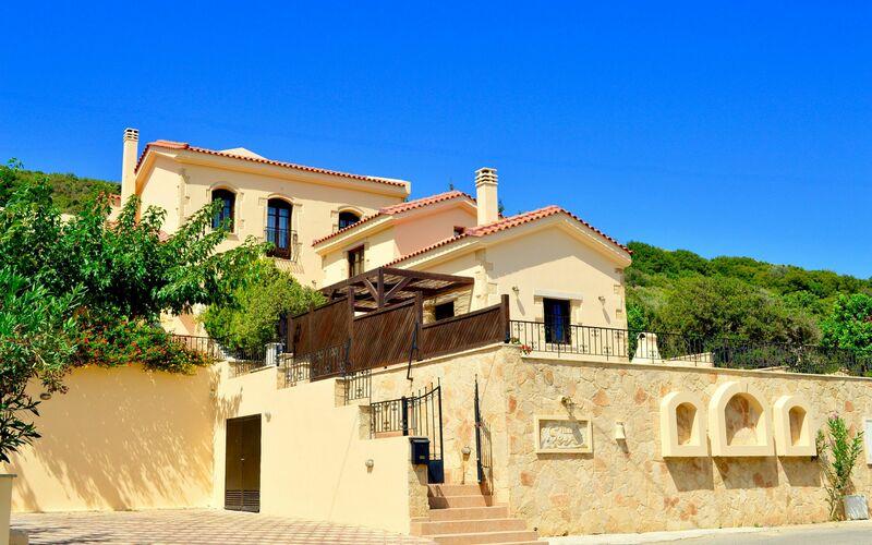 Ville in italia con piscina case vacanze in affitto for Ville lussuose interni