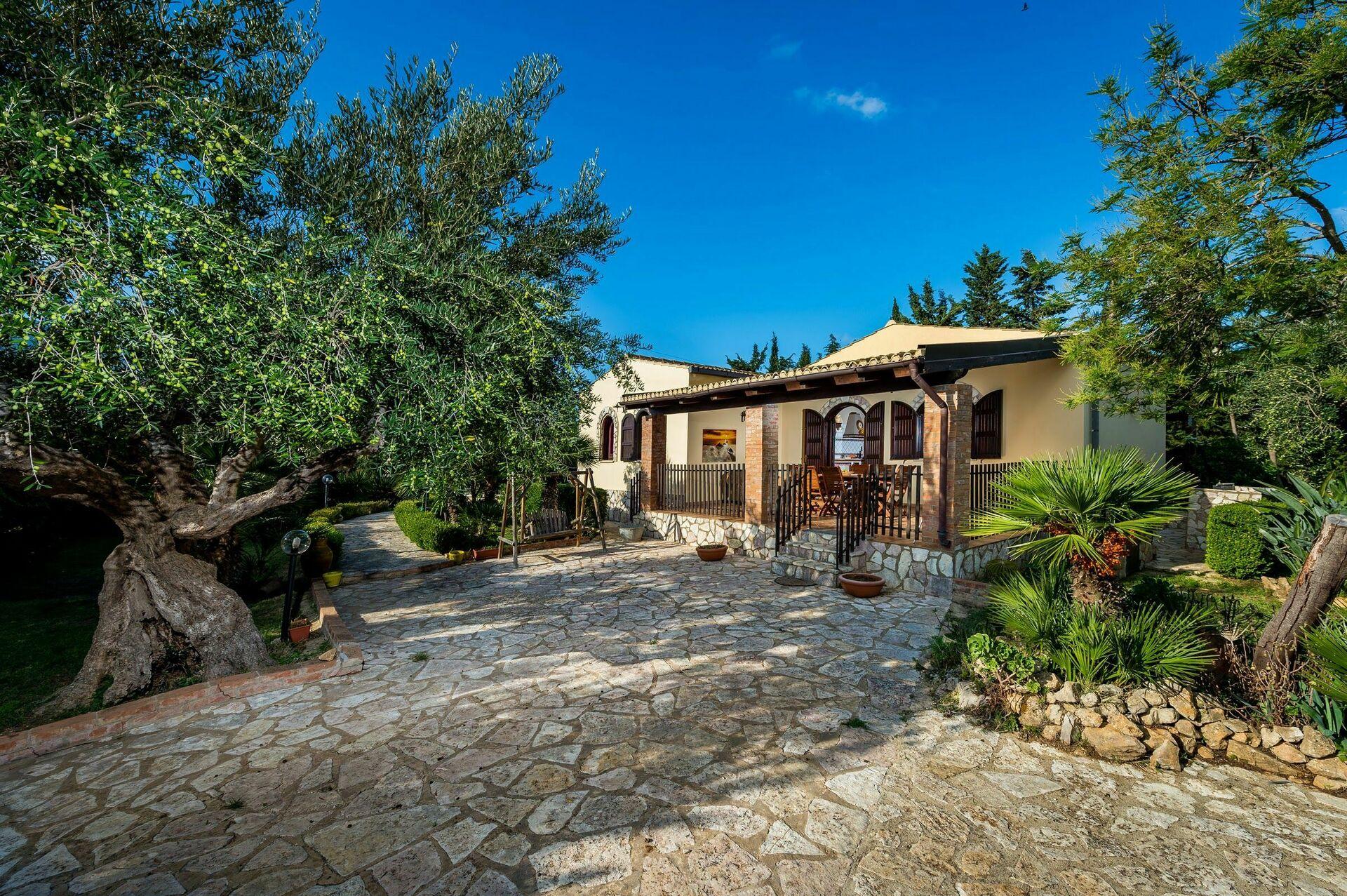 Villa dalila villa vacanze in affitto a castellammare del golfo sicilia casa vacanze con - Affitto casa vacanze sicilia con piscina ...