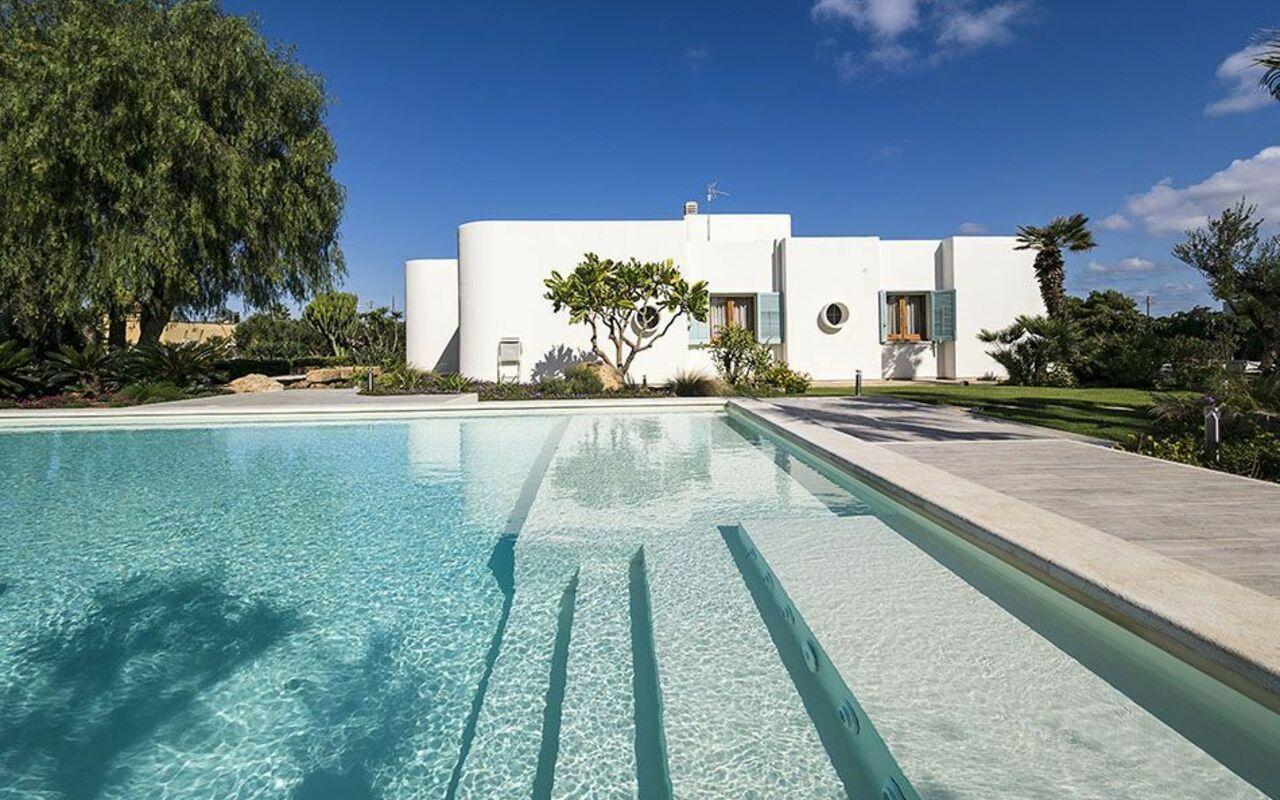 Villa salinella villa vacanze di lusso in affitto a paceco sicilia casa vacanze con piscina - Affitto casa vacanze sicilia con piscina ...