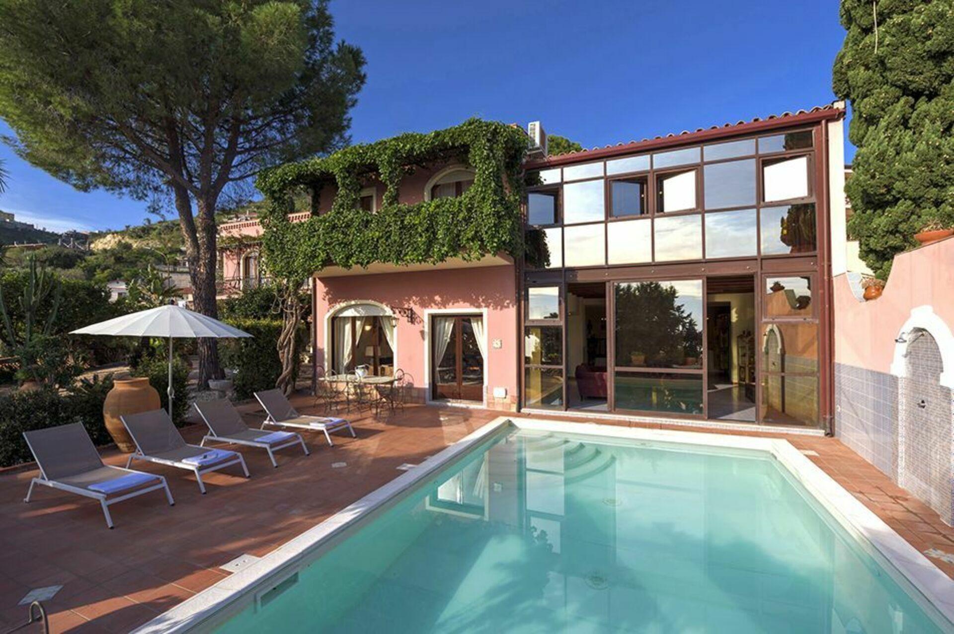 Villa La Boheme, Luxury Seaside Villa Rental in Taormina ...