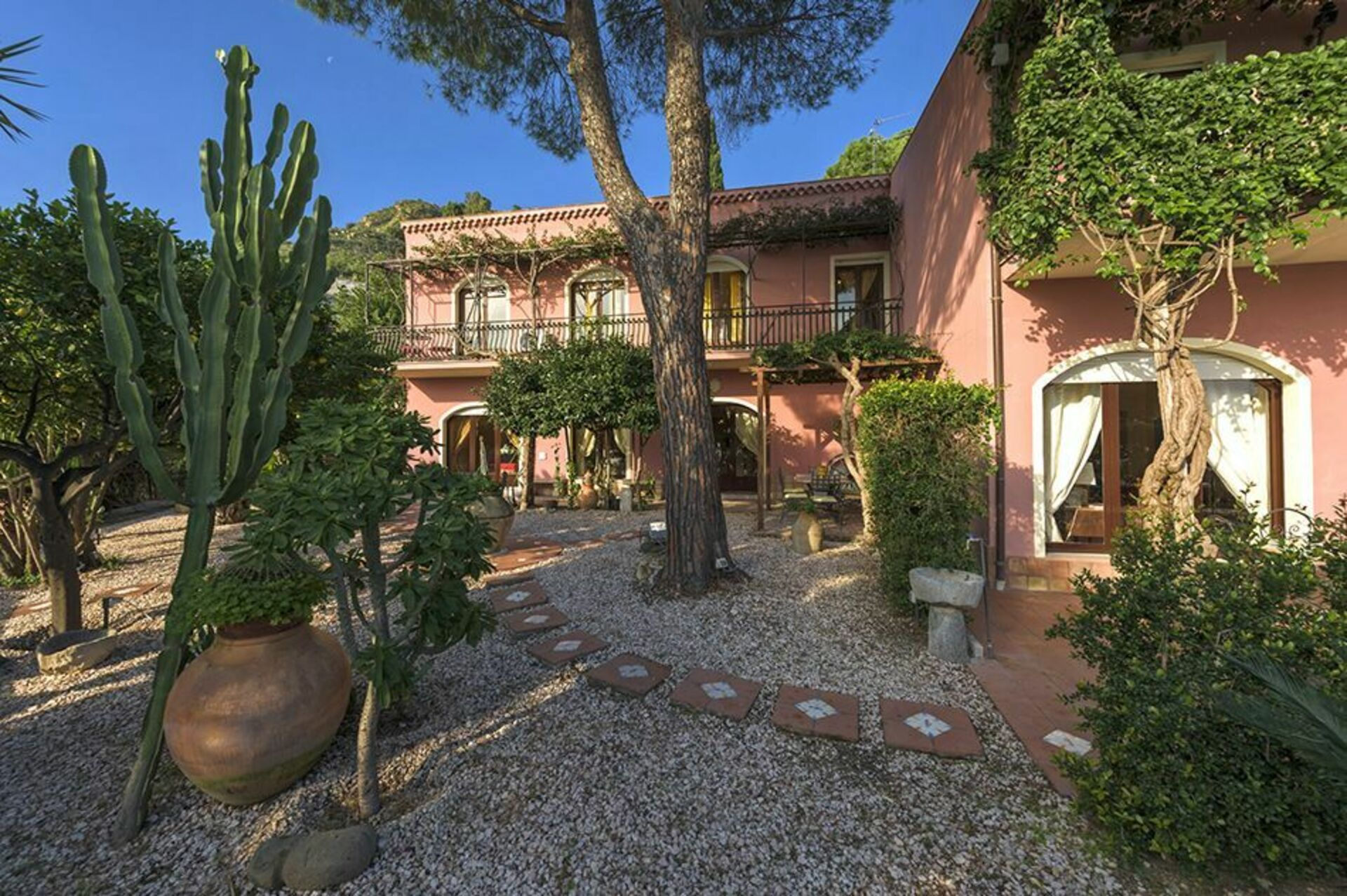 Villa la boheme villa di lusso in affitto per vacanze a taormina sicilia casa vacanze con - Affitto casa vacanze sicilia con piscina ...