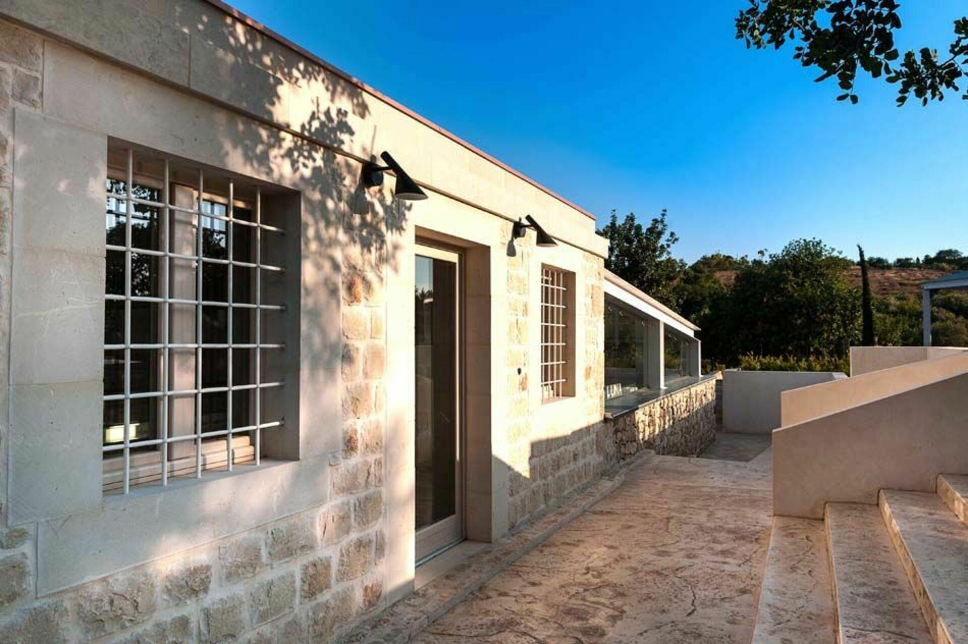 Villa luna villa di lusso in affitto per vacanze a scicli sicilia casa vacanze con piscina - Affitto casa vacanze sicilia con piscina ...
