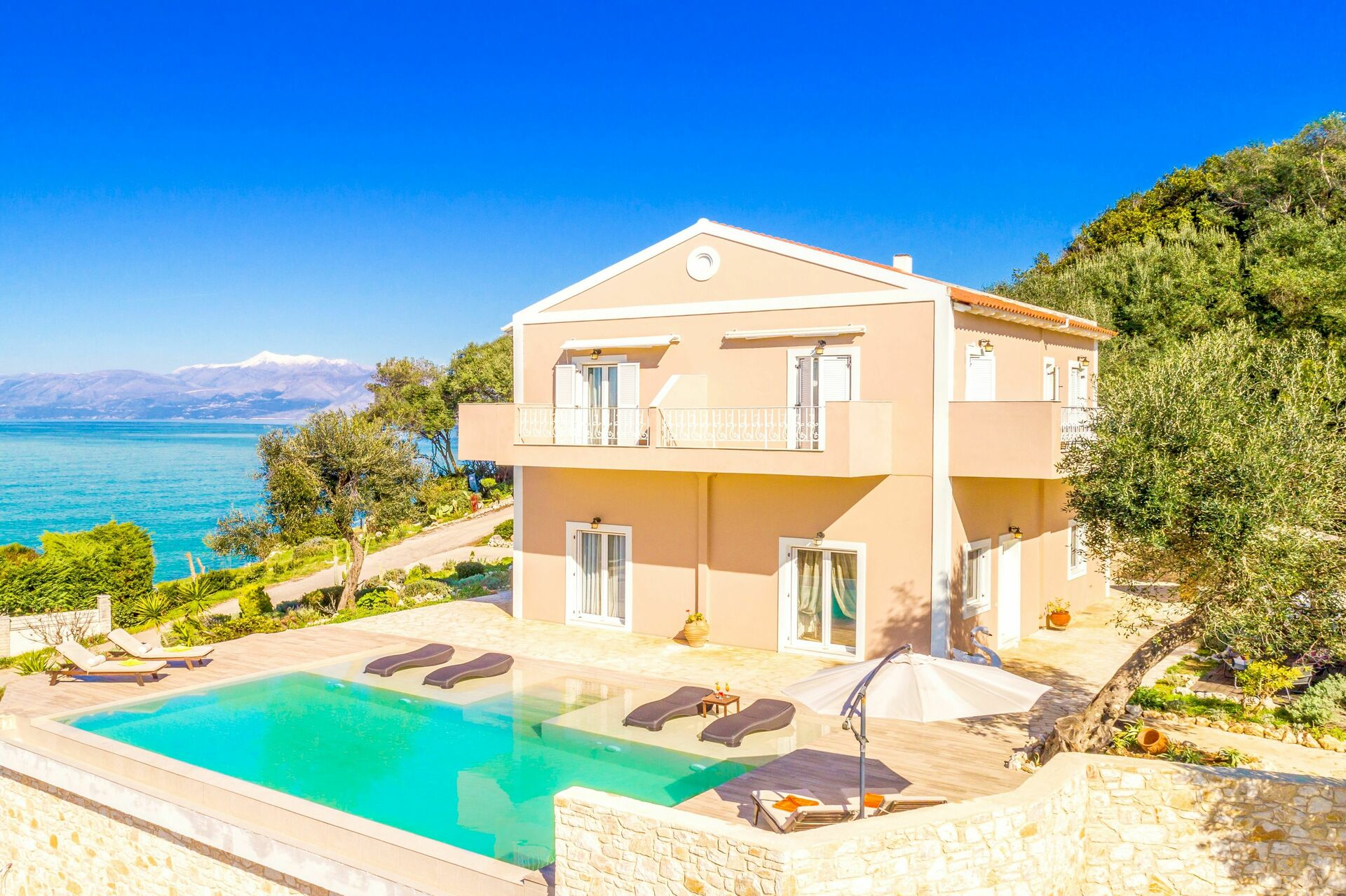 Beachfront Villa Seawave, Seaside Villa rental in Karniaris
