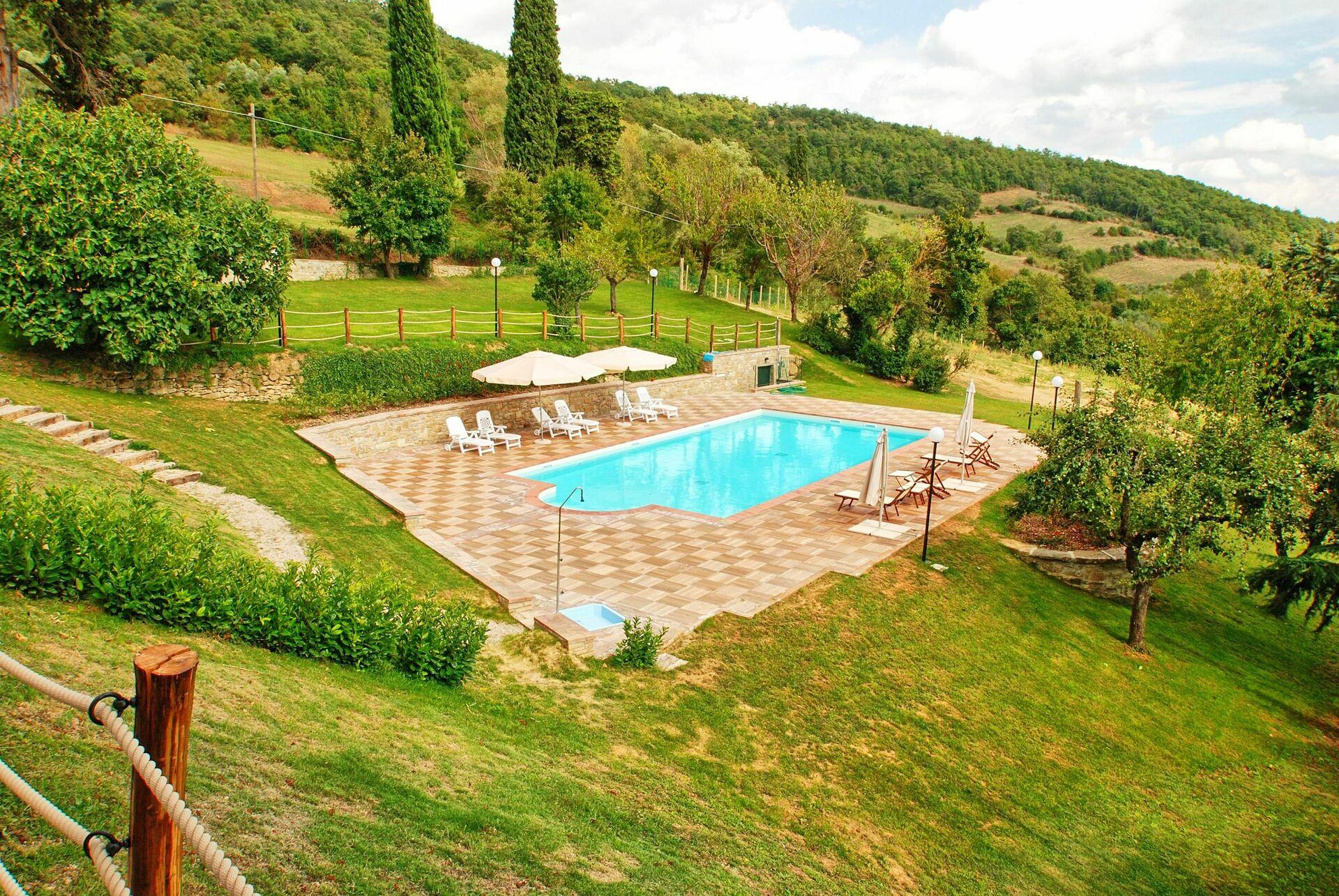 Borgo Toppo Holiday Villa Rental in Morra Umbria 19