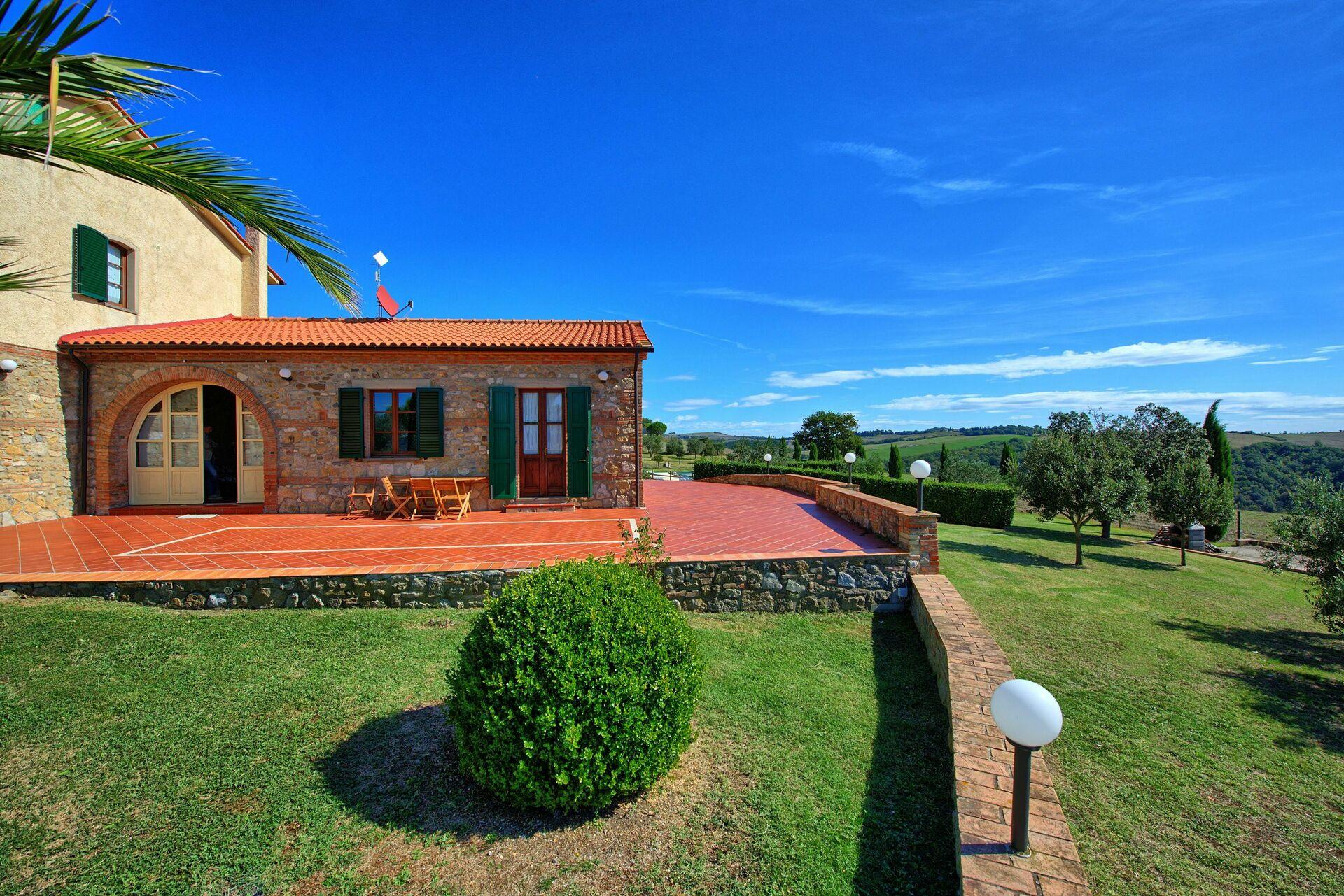 Vakantiehuis 7 Slaapkamers : Casale poggiarello vakantiehuis in pignano toscane voor
